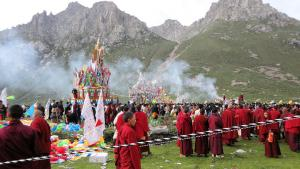 24- Image from Nyenpo Yurtse - leaders of all the main monasteries of the region participated