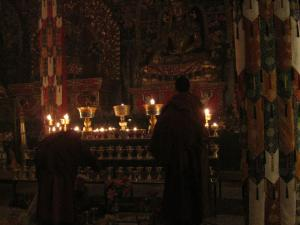 Continuous offerings of butter lamps
